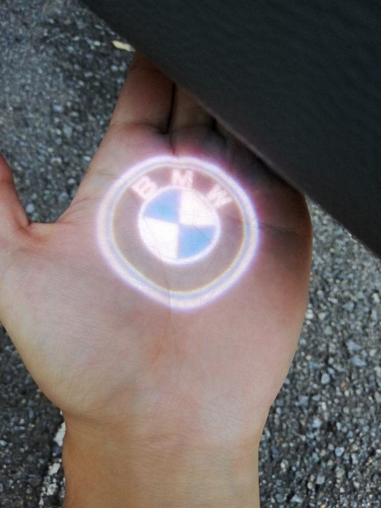 BMWの正式名称とエンブレム(ロゴマーク)の意味を紹介!