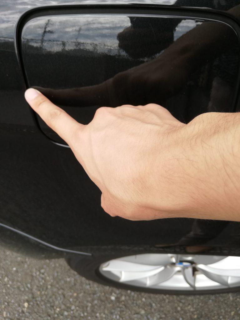 間違えないで!BMWの給油口は右でプッシュ式!仕組みを紹介!